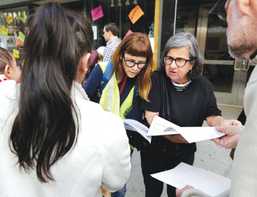 Volunteers usher immigrants to court to allay their fears