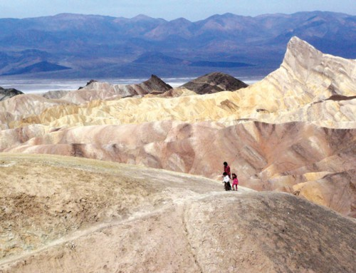 Tourists wanting to experience extreme heat descend on sweltering Death Valley